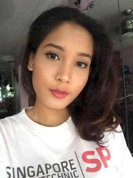 Femme asiatique sexy sur le 06 qui est seule