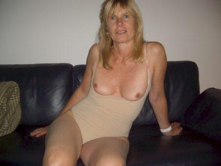 Femme infidèle sexy que pour des hommes sur la Lozère