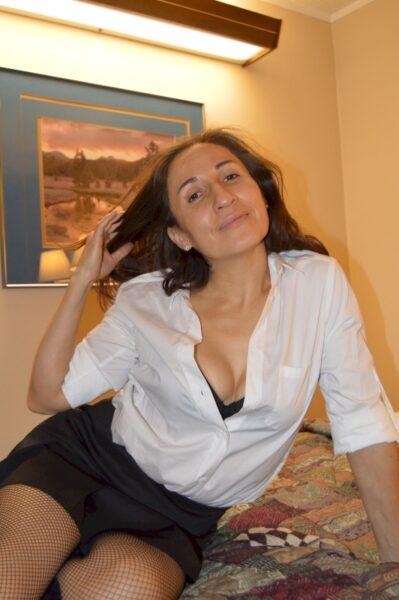 Femme maghrébine docile pour gars clean souvent disponible